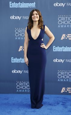 Mandy Moore Mandy Moore, Red Carpet, Awards, Cute Outfits, Hair Beauty, Actresses, Formal Dresses, Fashion, Female Actresses