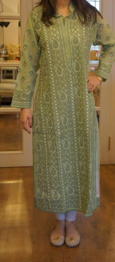 Farida Hasan Lukhnow Kurta Collection 2012-3 Indian Attire, Indian Ethnic Wear, Pakistani Outfits, Indian Outfits, Ethnic Fashion, Indian Fashion, Kurta Patterns, Dress Patterns, Asian Style Dress