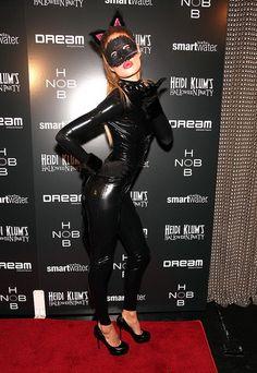 15. Katze Halloween - Kostüme (Karneval) (19 Ideen)  http://de.lady-vishenka.com/kostyum-koshki-na-hellouin/