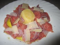 FORNELLI IN FIAMME: CARPACCIO OF FASSONE BEEF MEAT WITH POTATOES AND PECORINO - Carpaccio di fassone piemontese con patate e pecorino