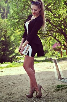 Mode Outfits, Sexy Outfits, Sexy Dresses, Short Dresses, Girl Outfits, Beautiful Legs, Gorgeous Women, Looks Pinterest, Girls In Mini Skirts