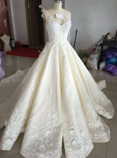 Charming Wedding Dress,Ball Gown Wedding Dress,V Neck Wedding Gown,Sexy Bridal Dresses,Lace Wedding Dress,Ivory Wedding Dresses