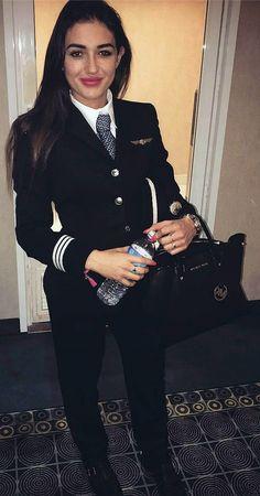 Student Pilot Dressed In Formal Work Uniform Work Uniforms, Girls Uniforms, Pilot Uniform, Becoming A Pilot, Female Pilot, Asian Lingerie, Military Women, Indian Designer Outfits, Flight Attendant