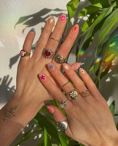 Nail Jewelry, Cute Jewelry, Jewlery, Hippie Jewelry, Jewelry Accessories, Cute Acrylic Nails, Gel Nails, Nail Design Glitter, Nagellack Design