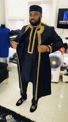 African men's clothing / African fashion/ wedding suit/dashiki / African men's shirt/ vêtement africain/ chemise et African Wear Styles For Men, African Dresses Men, African Attire For Men, African Clothing For Men, African Shirts, Nigerian Clothing, African Style, Dashiki For Men, African Dashiki