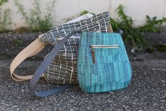 Trail Tote is a free pattern designed by Anna Graham (Noodlehead) for Robert Kaufman Fabrics featuring Carolyn Friedlander's newest fabric collection, Doe.