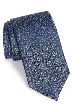 Corbata David Donahue Medallion Silk Tie available at Big Boy Clothes, Mens Ties Crafts, Beard Suit, Tie Pattern, Tie Accessories, Wedding Ties, Tie And Pocket Square, Gentleman Style, Silk Ties