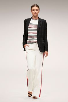 The complete Escada Spring 2018 Ready-to-Wear fashion show now on Vogue Runway. School Fashion, Fashion 2018, Paris Fashion, Fashion Models, Fashion Brands, Fashion Show, Womens Fashion, Fashion Outfits, Working Girl