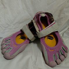 Vibram Fivefingers Barefoot Five Finger Toe Shoes Nice condition.  Light Lavender and Gray. Vibram Shoes Athletic Shoes