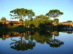 Final de tarde no lago do Boqueirão Hotel Fazenda, em Lages, na Serra…