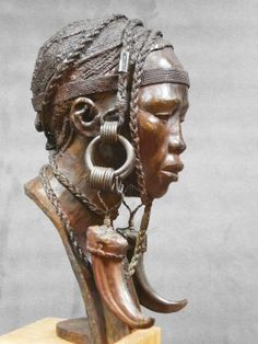 Darbaud_sculptures_mursi2_01 Art Sculpture, Bronze Sculpture, Statues, Art Afro, African Sculptures, Africa Art, Black Artwork, Ceramic Figures, Human Art