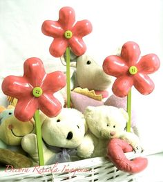 Upcycled Plastic Flowers Tutorial by nadine clark Reuse Plastic Bottles, Plastic Bottle Flowers, Plastic Bottle Crafts, Recycled Bottles, Recycled Crafts, Diy Crafts, Recycled Materials, Crafty Craft, Flower Tutorial