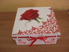Decoupage box with stencil Decoupage Vintage, Decoupage Box, Altered Cigar Boxes, Pretty Box, Vintage Box, Keepsake Boxes, Painting On Wood, Stencils, Diy And Crafts