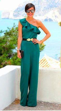 Vestidos cortos en tonos azules para asistir a una boda en la playa Stylish Dresses, Stylish Outfits, Fiesta Outfit, Outfit Trends, Lauren, Casual Wedding, Event Dresses, Mom Dress, Elegant Outfit
