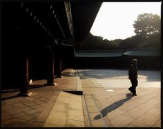 Casting shadows #japan #japanese #instatravel #iger #igers #igdaily #igaddict #instapic #instagram #instadaily #inspiration #instagood #instamoments #shadow #sunrise #travel #traveling #travelgram #travelphotography #travelling #explore #wanderlust #shinto #religion #asia #asian #streetphoto #tokyo  #streetphotography by mr.seanwalker