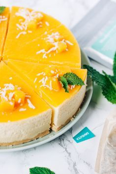 This cheesecake is very refreshing! It feels like you're eating an ice-cream somewhere in Hawaii (cause mango!) while you're still at home!