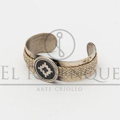 Pulsera de alpaca y cuero crudo Wordpress, Cuff Bracelets, Jewelry, Fashion, Presents, Bangle Bracelets, Moda, Jewlery, Bijoux