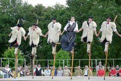 Spectacle de danse sur échasses et danses traditionnelles landaises -Folklore des Landes
