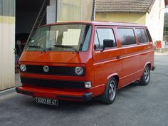 Vanagon with single round headlights and Porsche Fuschs wheels