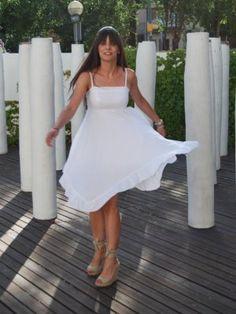MartaGonfi Outfit   Verano 2012. Combinar Tacones-Plataformas Beige Marypaz, Vestido Blanco POLLYANNA, Cómo vestirse y combinar según MartaGonfi el 27-6-2012