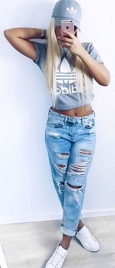 summer street style perfection t shirt + ripped jeans