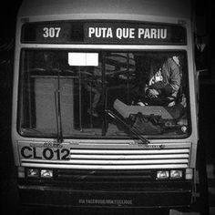 Desculpa a sinceridade , mas que tem hora que dá vontade de mandar pegar esse ônibus , ah tem!