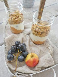 Healthy crumble in a jar for gourmet breakfast (No cereals, Low glycemic index, vegan) – Breakfast Recipes Healthy Crumble, Vegan Crumble, Gourmet Breakfast, Breakfast Time, Vitamin D Foods, Healthy Cooking, Healthy Recipes, Healthy Breakfasts, Healthy Foods