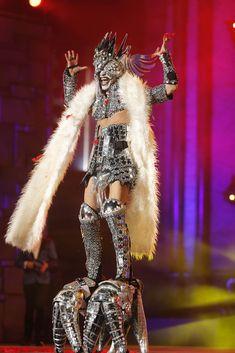 Drag Queen Election Gala 2013 Las Palmas de Gran Canaria. Space Fashion, Funky Fashion, Lady Gaga Vestidos, Lady Gaga Looks, Carnaval Tenerife, Lady Gaga Outfits, Lady Gaga Fashion, White Trash Party, Funky Shoes
