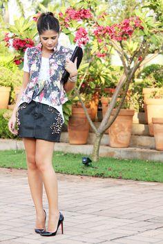 Colete floral + camiseta