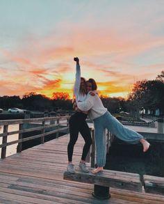 - # Fotografie - New Ideas Cute Friend Pictures, Best Friend Pictures, Bff Pics, Sister Pics, Shotting Photo, Best Friend Photography, Cute Friends, Country Best Friends, Beach Poses With Friends