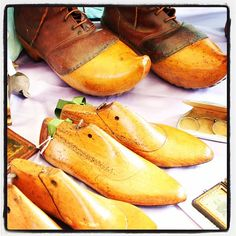 #wood #last #shoes #lucca #yellow #antiquariato #walkinginmyshoes