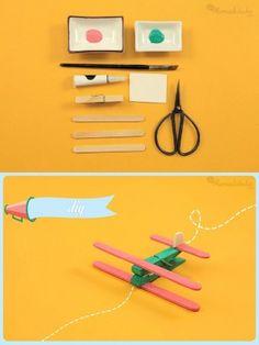 avioneta juguete pinzas palitos DIY muy ingenioso 1 Diy For Kids, Crafts For Kids, Arts And Crafts, Educational Activities, Craft Activities, Popsicle Stick Diy, Craft Stick Crafts, Diy Christmas Gifts, Creative Crafts