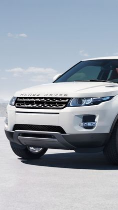 32 best Range Rover Evoque Wallpaper pictures in the best available resolution. Range Rover Evoque, Red Range Rover, Range Rover Car, Range Rovers, Bullet Bike Royal Enfield, Forever Products, Suv Cars, Car Logos, Audi Tt