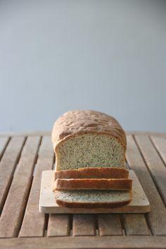 Pan de molde de avena Bread, Food, Bonbon, Oatmeal, Pebble Stone, Pie, Breads, Baking, Meals