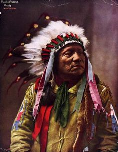 Studio portrait (sitting) of Painted Horse, a Native American (Oglala Sioux) man - Heyn Photo - 1899 Native American Warrior, Native American Beauty, Native American Photos, Native American History, Native American Indians, Native Americans, Plains Indians, Native Indian, Native Art