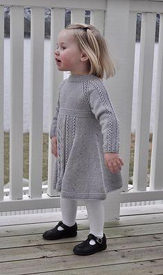 Ravelry: Soria Moria Kjole pattern by Wenche Steffensen Girls Knitted Dress, Knit Baby Dress, Knitted Baby Clothes, Kids Knitting Patterns, Knitting For Kids, Girls Sweaters, Baby Sweaters, Knitting Baby Girl, Crochet Wedding Dresses