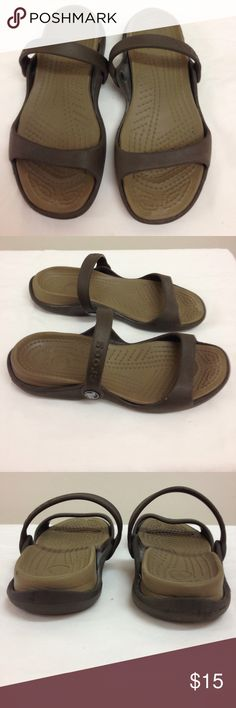 🌴NEW LISTING🌴 Crocs Sandals Brown. Show signs of wear. Good condition. Size 6. CROCS Shoes Sandals