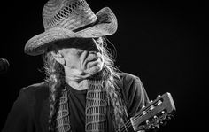 Photos: Willie Nelson Delivers Incredible Opening Night Of Willie Nelson & Family: Vegas On My Mind To A Sold-Out Crowd At The Venetian Theatre, Feb. 1 – Vegas24Seven.com