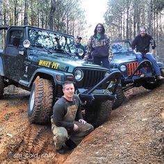 """JEEP Dates  by @stn_cold_cntry """"What a great double date had a wonderful weekend @jeep_freeks @JEEPBEEF BY A JeepHer @jeeppage @JEEPBEEF BY A JeepHer  #jeepproblems #jeepbeef #jeepbeefpose #jeepflex #jeep_freeks #jeepporn #jeeplife #countryboy #countrylivin"""" #Padgram"""