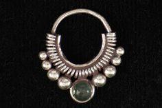 Septum Ring w/emerald stone