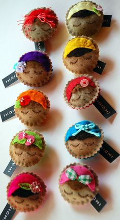 Mainichi Felt Face Brooches