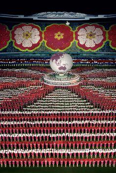 Andreas Gursky, Pyongyang I, 2007.