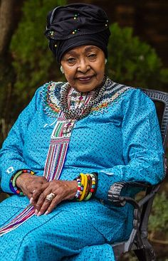 Regal Winnie Mandela wants to win back the land she claims is hers African Print Fashion, African Fashion Dresses, African Dress, African Beauty, African Women, Winnie Mandela, Xhosa Attire, African Fashion Traditional, African Traditions