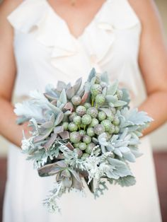 Centerpieces, bouquets and boutonnieres made from items other than flowers   Entertaining - DIY Party Ideas, Recipes, Wedding & Baby Showers   DIY