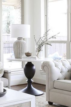 Breakfast Nook Decor, Interior Design Classes, Home Renovation, Great Rooms, Pottery Barn, Dining Table, Table Lamp, Beautiful Homes, Living Room