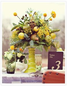 love the centerpiece stand