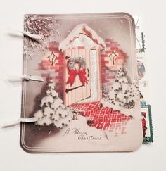 love, love LOVE the #vintage paper in this Mini-Album | Check out the Holiday Extravaganza at rukristin papercrafts