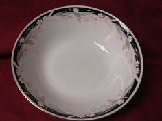 Crown Ming China and Dinnerware Michelle Pattern # 1328 Round Vegetable Bowl