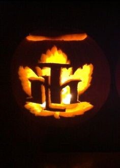 Toronto Maple Leafs pumpkin