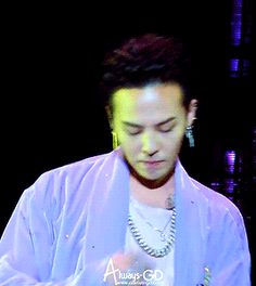 """G-Dragon performing """"Loser"""" at 0.to.10 the Final in Hong Kong © always-gd"""